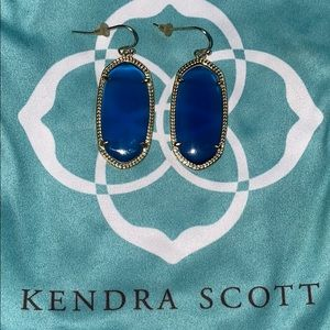 Kendra Scott Elle Gold Earrings in Navy Cat's Eye